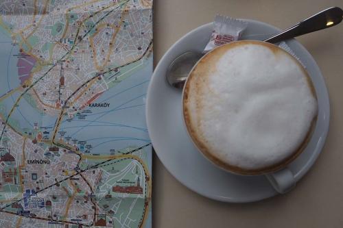 Eerst koffie en dan de Istiklal Caddesi ontdekken